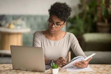 les connaissances des clients peuvent aider à développer un leadership éclairé - brightedge